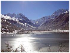 Lac de Génos Loudenvielle in winter, via Flickr.