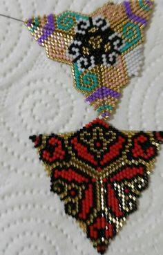 Beading Projects, Beading Tutorials, Beading Patterns, Triangle Pattern, Brick Stitch Earrings, Bead Loom Bracelets, Peyote Stitch, Beads And Wire, Weaving