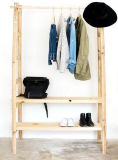 Мебель и предметы интерьера в цветах: желтый, черный, светло-серый, белый. Мебель и предметы интерьера в стиле экологический стиль.