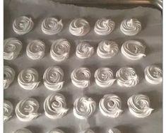 Μαρεγκάκια ή Μπεζέδες συνταγή από τον/την evahor - Cookpad Icing, Silver, Money