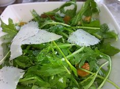 Arugula salad with whole almonds, golden raisins, paper thin parm reg, and lemon and oil. and fresh ground pepper Cheesecake Factory Recipes, Arugula Salad, Seaweed Salad, Copycat Recipes, Dinner Recipes, Pasta Recipes, Salads, Vegetarian, Yummy Food