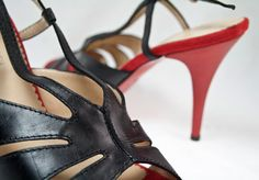 Sting is a beautiful Italian made heel. These have such a Prada feel.    Features:  - Leather upper  - Leather lining  - Man-made and leather sole  - 10cm stiletto heel height  - Made in Italy    http://www.rosenbergshoes.com.au/amber-rossi/sting/black-red/size-45-5/