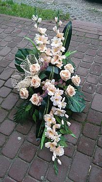 Grave Flowers, Altar Flowers, Church Flower Arrangements, Funeral Flowers, Floral Arrangements, Deco Floral, Arte Floral, Floral Design, Funeral Sprays
