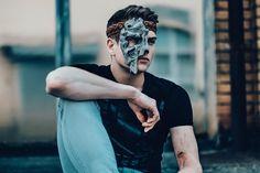 Heldenhafte Papier-Maske Holz-Optik