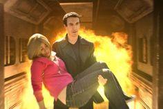 My cosplay of Rose Tyler from Rose with my friend as Nine - Doctor Who ! #Rose #Rosetyler #Rose #Tyler #RoseTylerCosplay #doctorwho #laureagiragiracosplay #cosplay #Nine #NinthDoctor #Tardib
