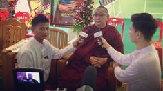 Sayadaw U Tejaniya one of Myanmar's premier meditation teachers is interviewed live on several Burmese television channels. In place of Christian evangelists as found on American televisions dhamma discourses and talks on mindfulness prevail in the Golden Land.  #utejaniya #sayadawutejaniya #ashintejaniya #shweoomin #evangelism #evangelist  #evangelists #mindfulness #christian #christianevangelist #buddhistemple #myanmargoforgold #interview #tv #television #myanmar #myanmardress #mingaladon…