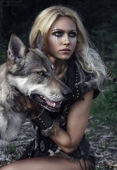 Beautiful and Easy Cat Halloween Makeup Character Inspiration, Character Design, Character Sketches, Design Inspiration, Wolves And Women, Wolf Photos, Warrior Girl, Viking Warrior Woman, Warrior Women