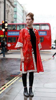 Style Hunter: This Vintage Kimono Gets Reworked As Autumn Outerwear | Grazia Fashion
