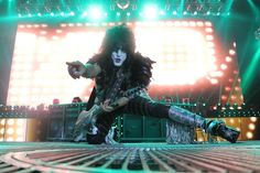 KISS, Mötley Crüe and The Treatment played for Pittsburgh fans at First Niagara Pavilion.