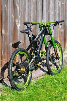 Custom antidote Dh bike