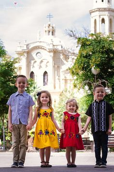 The Knowlton Family in Hermosillo Gift Ideas, Summer Dresses, Easter, Vintage, Style, Fashion, Swords, Fotografia, Swag