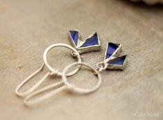 Boucles d'oreille en verre bleu et argent : Boucles d'oreille par callenana