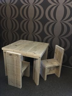 Kinderset - tafel + stoel in gebruikt Steigerhout - info@boreco.be