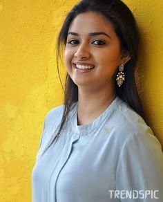 The Truth About Keerthy Suresh Is About To Be Revealed Beautiful Girl Photo, Beautiful Girl Indian, Most Beautiful Indian Actress, Wonderful Picture, Beautiful Saree, Beautiful Bollywood Actress, Beautiful Actresses, Beauty Full Girl, Beauty Women