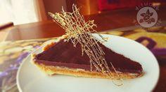 Lemon and Strawberries: Caramel & peanut butter tart