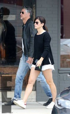 Sandra Bullock and Boyfriend Bryan Randall Enjoy a Weekend Getaway: Details About Their Love-Filled Vacation Jesse James, Female Celebrity Crush, Celebrity Style, Sandra Bullock Boyfriend, Sandro, Bryan Randall, Hollywood, Star Wars, Colourful Outfits
