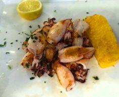 Gegrillte Calamaretti mit Polenta