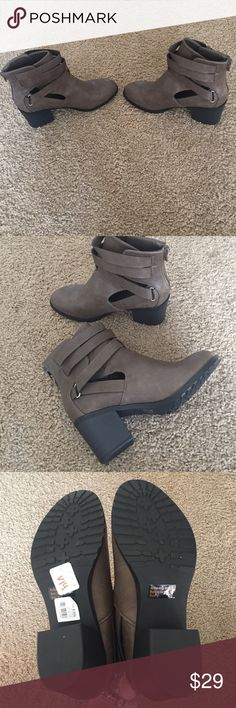 Final price new Brown boots Never worn size 8 boots Shoes Heeled Boots