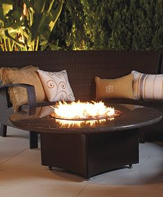 An optional beverage tub takes the place of the firepit, transforming the table into party central.