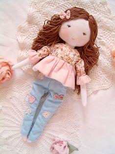 Handmade Rag Dolls, Diy Rag Dolls, Diy Doll, Fabric Doll Pattern, Fabric Dolls, Doll Patterns, Sock Dolls, Dolls Dolls, Girl Dolls