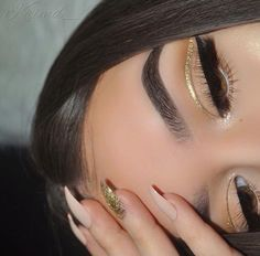Image de eye makeup, glitter, and chifaa Makeup Eye Looks, Cute Makeup, Glam Makeup, Gorgeous Makeup, Pretty Makeup, Skin Makeup, Makeup Inspo, Eyeshadow Makeup, Beauty Makeup