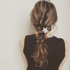 "Natsuki Takayama on Instagram: ""* * 今日のセルフ。 * * 三つ編みくるりんぱドーナツアレンジ🐒 * * ↑だいたいいつもこれ。笑 * * * アクセサリー☆ @nakia_acc * * * いいね、フォローして頂いた方ありがとうございます🙏✨とても励みになります💪💕 * * *…"" Kawaii Hairstyles, Up Hairstyles, Hair Arrange, Dream Hair, About Hair, Hair Looks, Hair Inspiration, Short Hair Styles, Style Me"