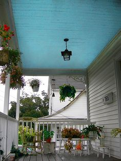 Haint Blue, a Traditional Paint Color with a Haunted History - Avon CT Haint Blue Porch Ceiling, Future House, My House, Bungalow, Victorian Porch, Modern Victorian, Victorian Houses, Blue Ceilings, Basement Ceilings