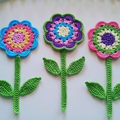Meet Flourish and Fly - creator of gorgeous crochet jewellery Granny Square Crochet Pattern, Crochet Flower Patterns, Flower Applique, Crochet Motif, Crochet Flowers, Crochet Stitches, Crochet Crafts, Easy Crochet, Crochet Projects