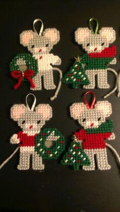 Plastic canvas christmas mice ornaments 1 by sanzosgal
