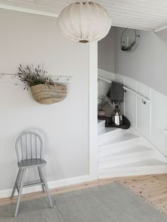 〚 Warm natural tones and vintage decor: cozy cottage in Sweden 〛 ◾ Photos ◾Ideas◾ Design - Home decor cozy Swedish Cottage, Cozy Cottage, Cozy House, Sweden House, Living Room Decor Colors, Interior And Exterior, Interior Design, Painted Stairs, House Stairs