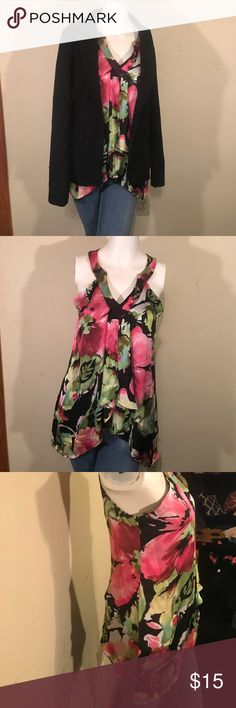Gorgeous moody floral top Floral top extra small with ruffles seam is separating a little at the point where the chest starts to ruffle Sioni Tops Blouses