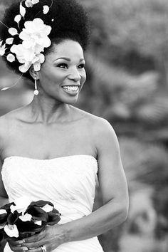 Beautiful. Love a natural bride!