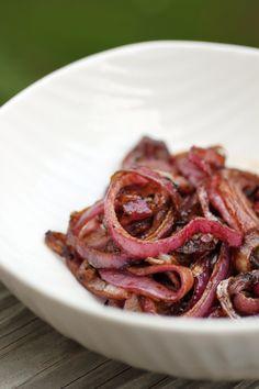 Balsamic Onions: 1 T balsamic vinegar, 1 T coconut oil, 1 Red onion, salt and pepper