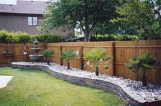 Backyard garden design backyard landscaping with rocks,cheap landscaping ideas crushed rock landscaping,front flower bed ideas ideas for planting flowers in front yard. Landscaping Along Fence, Small Backyard Landscaping, Backyard Patio, Landscaping Ideas, Backyard Designs, Desert Backyard, Large Backyard, Michigan Landscaping, Residential Landscaping