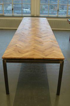 Eikenhouten visgraat tafel - door de Snode Jongens