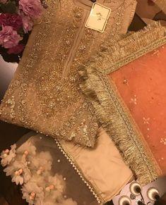Bridal Mehndi Dresses, Bridal Dupatta, Wedding Dresses For Girls, Party Wear Dresses, Pakistani Fashion Party Wear, Pakistani Wedding Outfits, Pakistani Wedding Dresses, Bridal Outfits, Stylish Dresses For Girls