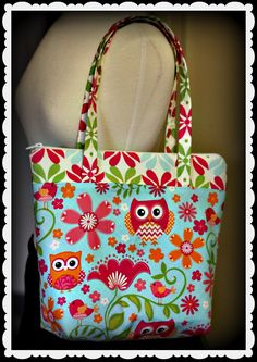 This is a detailed tutorial - from creating the pattern (complete measurements), yardage of fabrics needed all the way through constructing the bag itself. T...