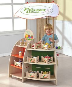 Adorable wooden farmers market stand by Maxim eco-friendly toys! Kids get to play with healthy food instead of junk food toys...