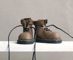 Blythe Real Leather Boots. Olive / Botas de by TheDollyLeatherCo