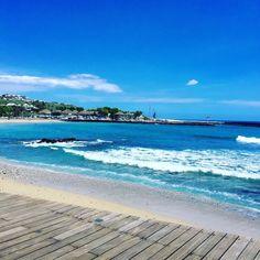 Agréable week-end à tous  #landscape #larun #lareunion #paysage #paradise #paradis #tropical #tropiques #exotique #iledelareunion #reunionisland #974island #974paradise #weare974 #weekend #gotoreunion #team974 #igersreunion #islandlife #islandgirl #plage #beach #bluesky #beautiful #vagues #instalike #photographie #photooftheday #picoftheday by fab__ie