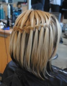 I LOVE the waterfall braids!! and this one is for short hair!!!