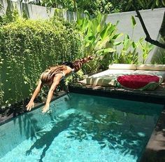 pool + tropical | Julie de la Playa