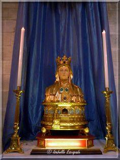 Les médiévales de Tarascon sous le regard de Sainte Marthe...  http://ekladata.com/2YCCb1ILqMfnjna8XqVXeShvSU8.swf