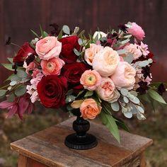 Burgundy Floral Arrangements You Should Try For Your Wedding