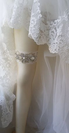 Wedding  Garter  Ivory Lace Garter  Bridal Leg by UniqueCeremony Wedding Garter Set, Lace Garter, Bridal Boutique, Bridal Accessories, Crystal Rhinestone, Ivory, Legs, Recipe, Crystals