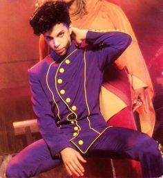 Prince with a partially hidden Rosie Gaines