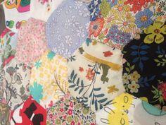Traditional English Paper Piercing & Hexagon Quilt  #crafttuts+ #crafttutorials