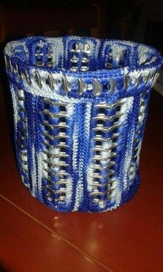 Soda Tab Crafts, Can Tab Crafts, Bottle Cap Crafts, Pop Top Crafts, Pop Tab Purse, Pop Can Tabs, Soda Tabs, Recycled Crafts, Diy Craft Projects
