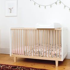 Birch crib, very modern and Scandinavian inspired #babyroom
