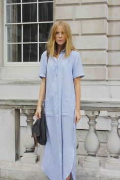 Love this oversized chambray shirt-dress. Look Street Style, Street Looks, Maxi Shirt Dress, Dress Up, Dress Long, Chambray Dress, Looks Style, My Style, Style Personnel